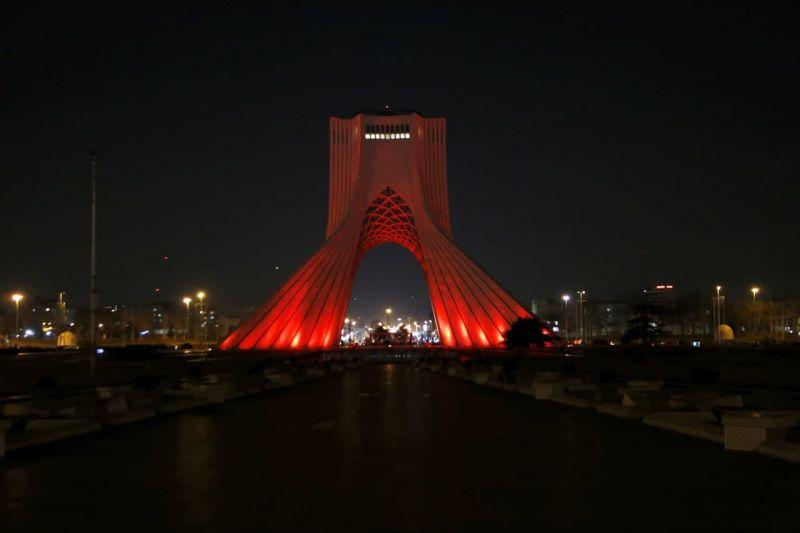 برج آزادی و میلاد نارنجی شدند و به کمپین محک پیوستند