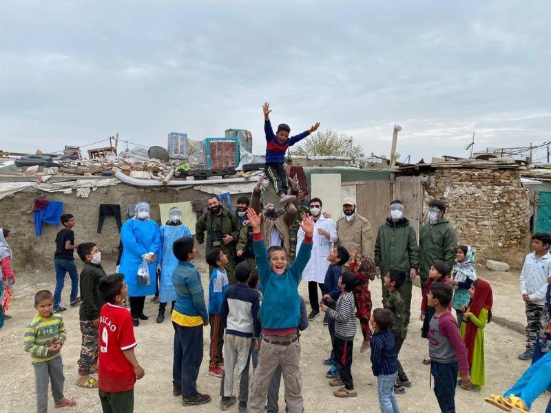 حضور مدافعان حرم در ميدان خدمت به مردم در جنگ با كرونا