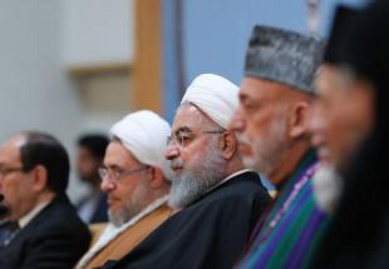 حاشیه| دیدار نخبگان جهان اسلام در صبح وحدت/ خط و نشان روحانی برای دشمنان مقاومت