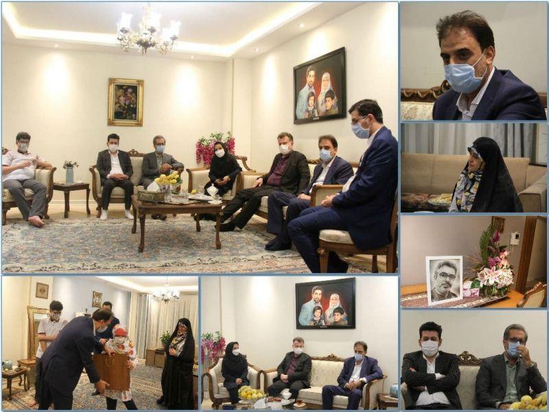 دکتر حاجینورمحمدی به دیدار خانواده شهید وریجی رفت