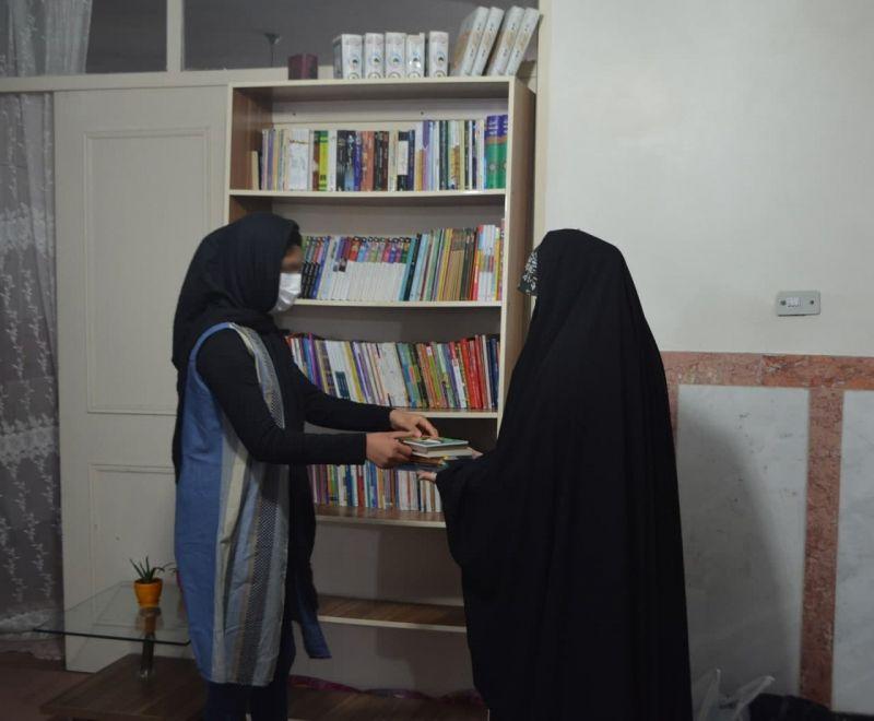تجهیز کتابخانههای دو خیریه توسط باشگاه هواداران کتاب