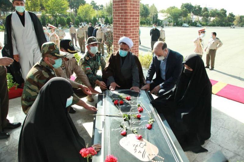 افتخاری: رهبری امام خمینی و اتحاد ارتش و سپاه رمز پیروزیهای متعدد در دفاع مقدس بود