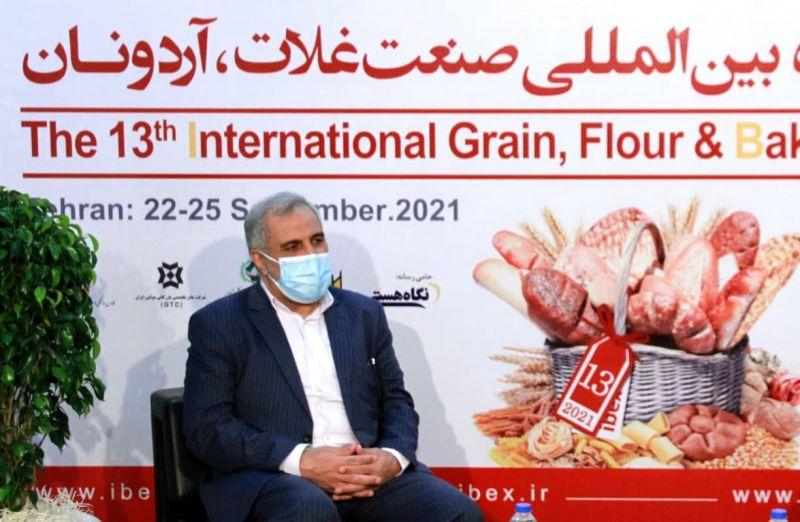معاون وزیر جهادکشاورزی : در صنعت غلات ، آرد و نان خودکفا هستیم