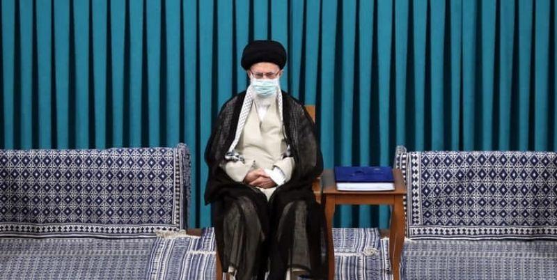 رهبر انقلاب: باید با فساد و مفسد بیامان مبارزه کنیم/ در زمینه کار تبلیغاتی کمکاری داریم/ در تشکیل دولت باید سرعت عمل به خرج داد